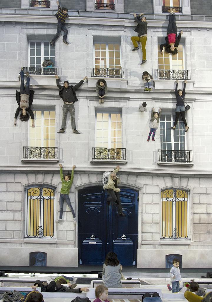 Leandro Erlich, Bâtiment, 2004, La Nuit Blanche, Paris, France