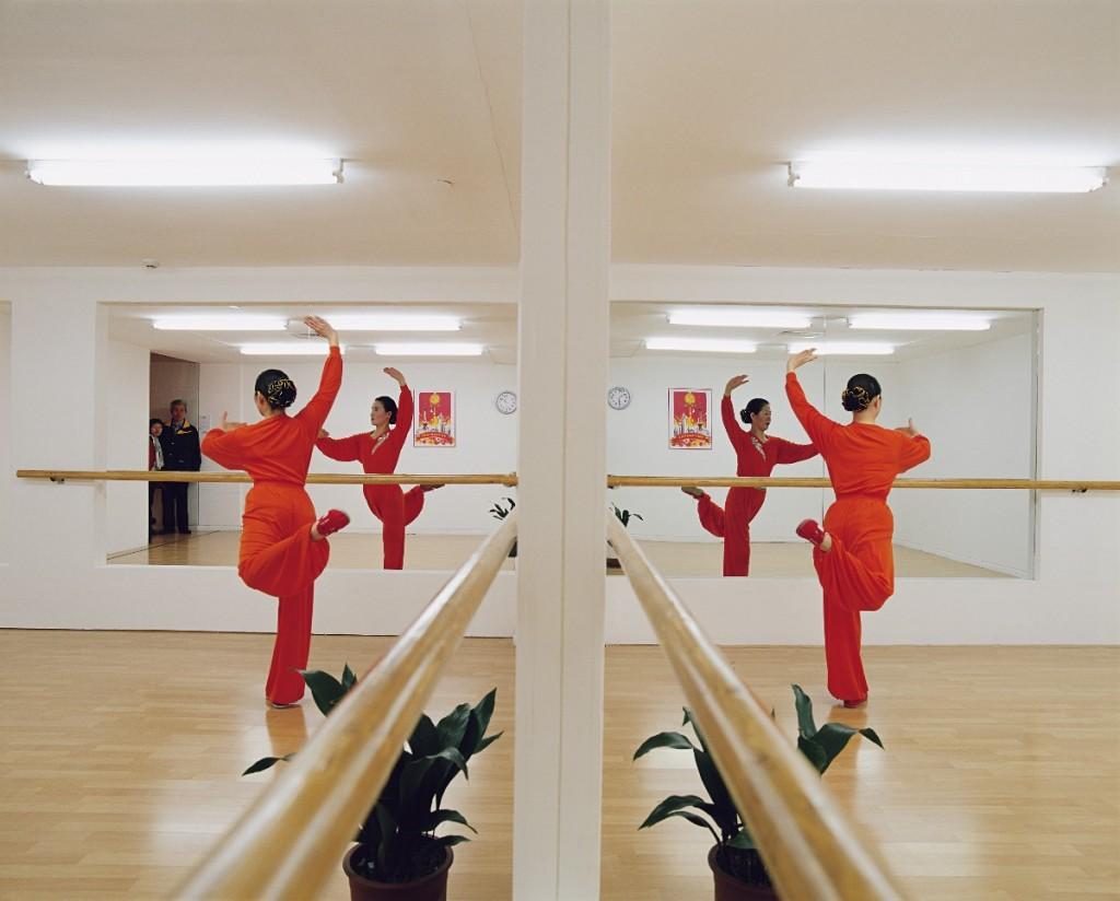Leandro Erlich, Balletstudio, 2002, Installation view, 3rd Shanghai Biennale, Shanghai, China