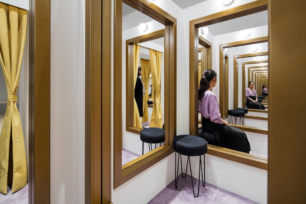 Leandro Erlich, Changing Rooms, 2008, Installation view, Mori Art Museum, Tokyo, Japan, 2017