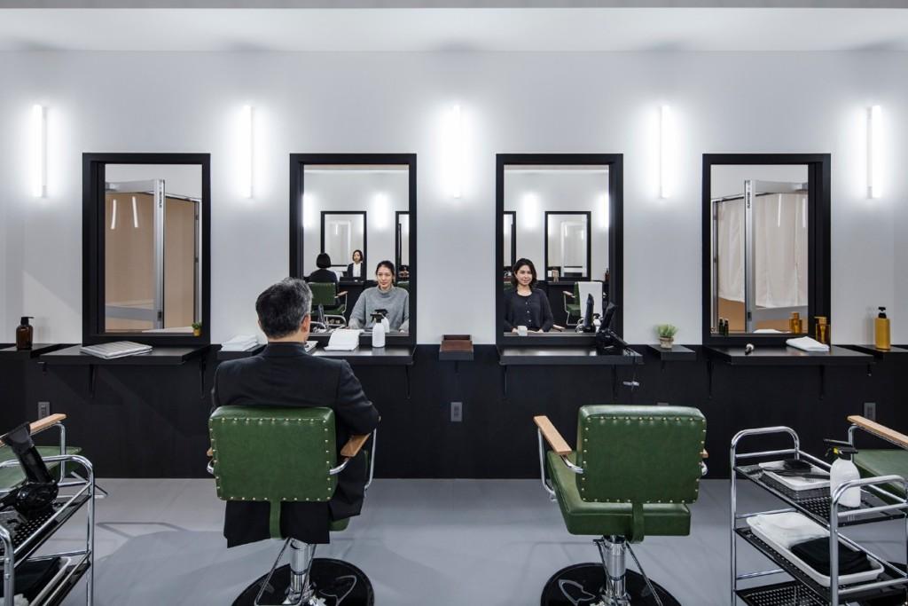 Leandro Erlich, Hairsalon, 2008, Installation view, Mori Art Museum, Tokyo, Japan, 2017