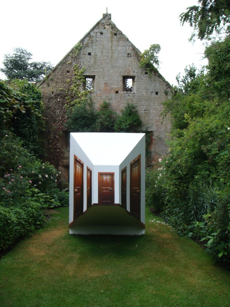 Leandro Erlich, Pasillo, 2007, Installation view, Sudeley Castle, UK