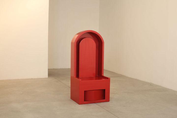 Reuven Israel, Talk to Me - Qu'est-ce que c'est, 2009, painted MDF, 65 x 140 x 48 cm