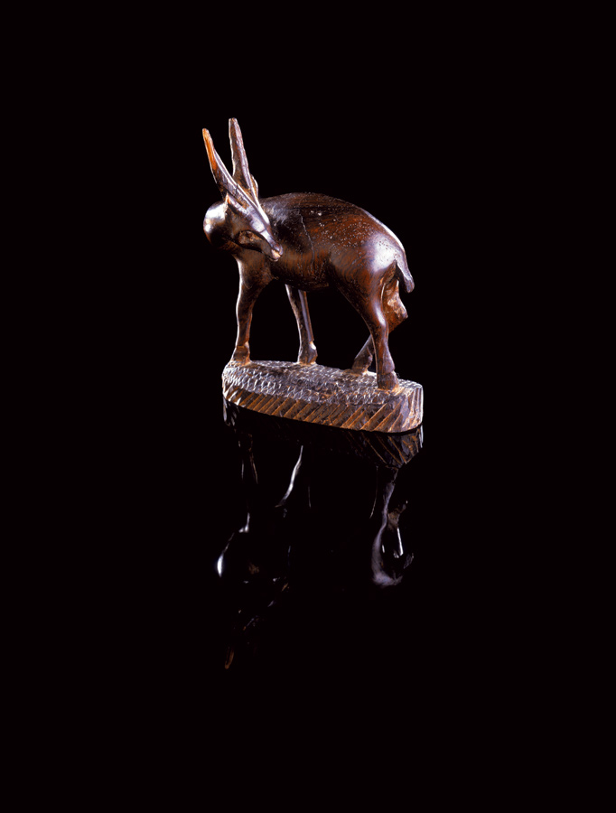 Mahogany, 2003, (Deer Left), 125 x 165 cm