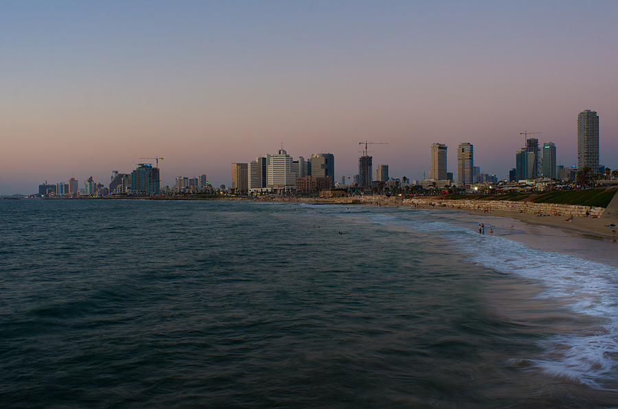 Untitled (Jaffa Looking at Tel Aviv, Jaffa-Tel-Aviv), 2013