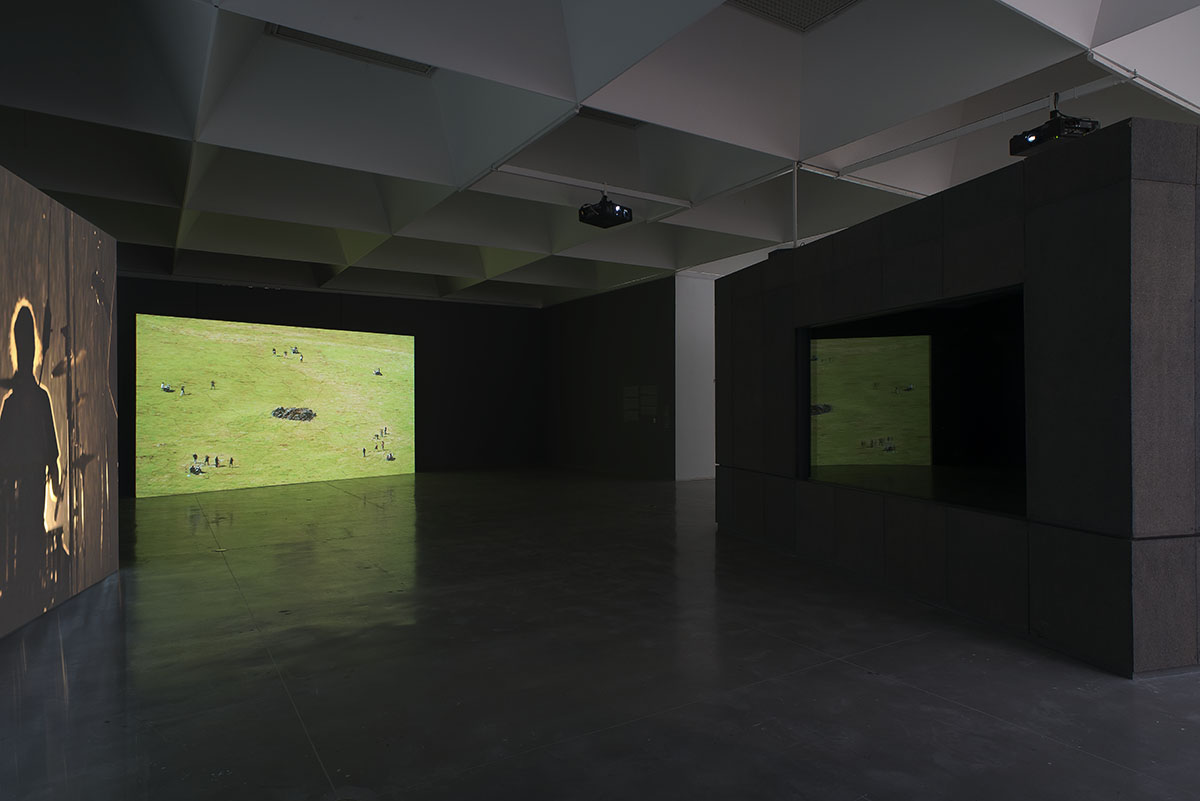 GILAD RATMAN_Five Bands from Romania_installation view israel museum2