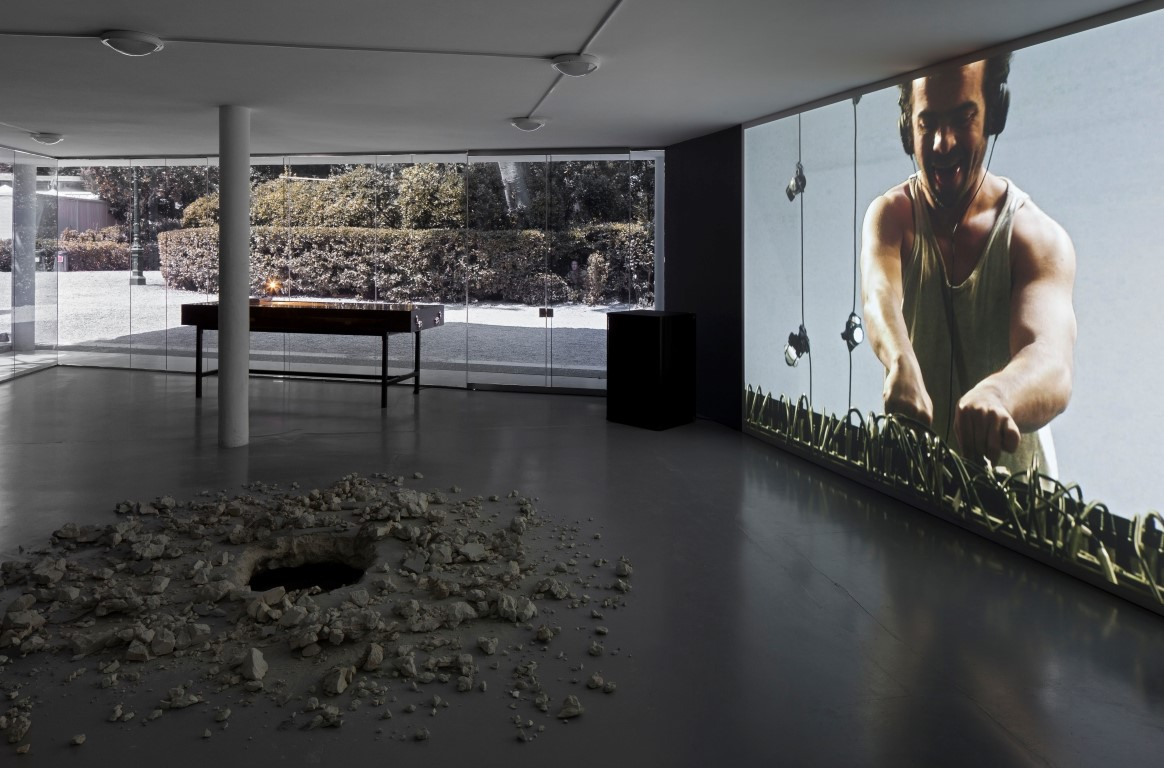 Gilad Ratman_Venice Biennale 2013 (Credit Elad Sarig) (11) (Medium)