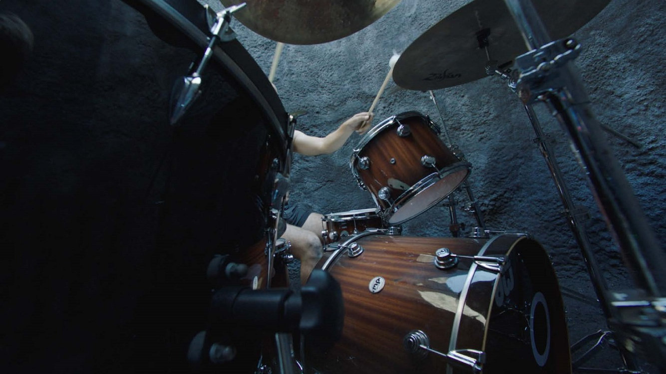 Gilad Ratman, Drummerrsss, 2020, 3-channel video installation