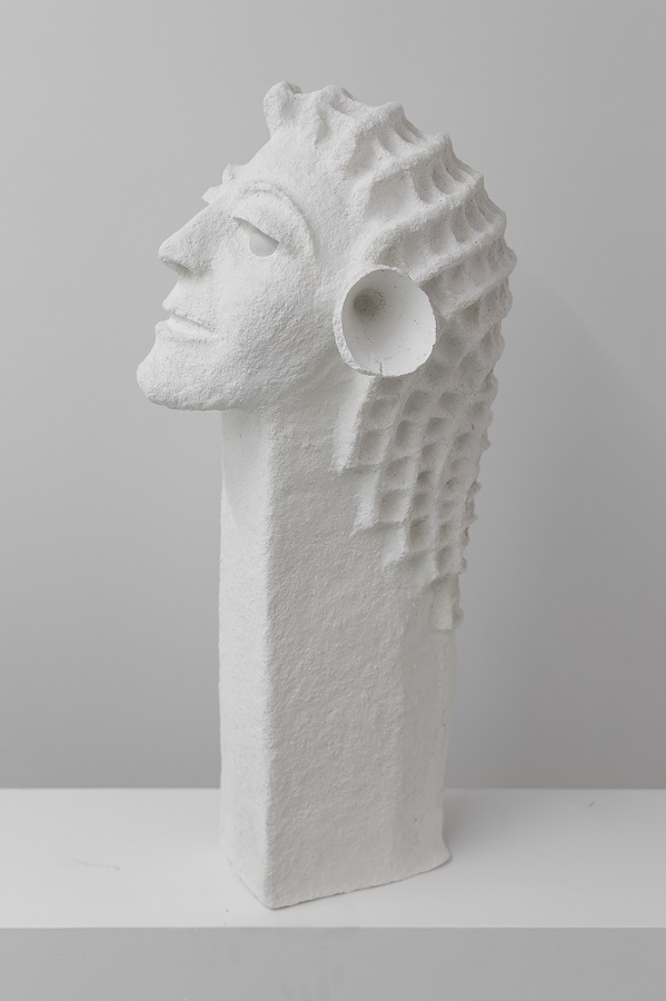 Tommy Hartung, White Devil #9, 2016, celluclay, varnish, and ping pong balls, 78.7 x 34.3 x 33 cm