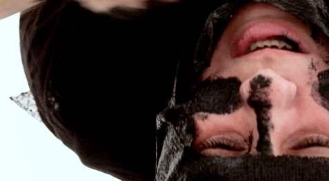 Nezaket Ekici, Disguise, 2013, Videoperformance, HD Mov sound color, 9:56 mins